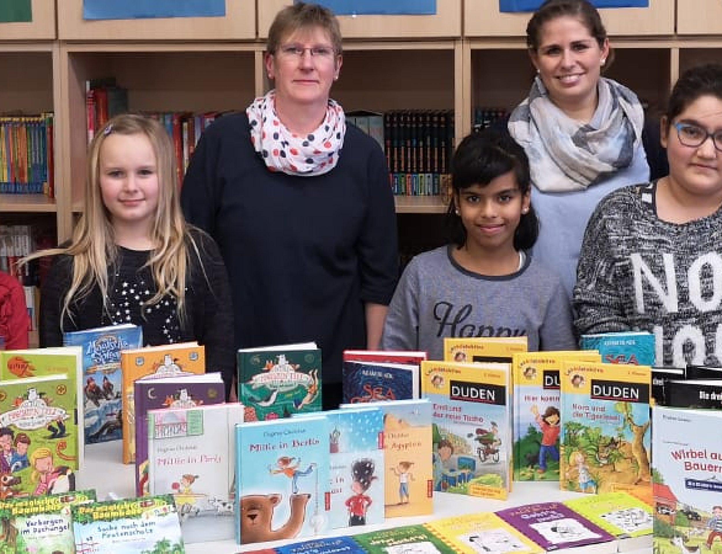 57 neue Bücher für die Schülerbücherei